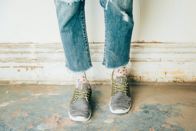 Mesh Floral Socks With Tennis Shoes | How To Style Socks With Shoes