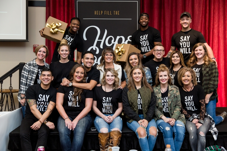 Buckle Managers Come Together To Give Back