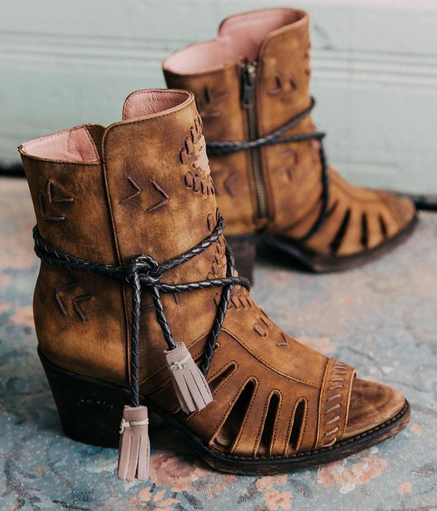 Women's Miss Macie Singing Brook Leather Ankle Boots
