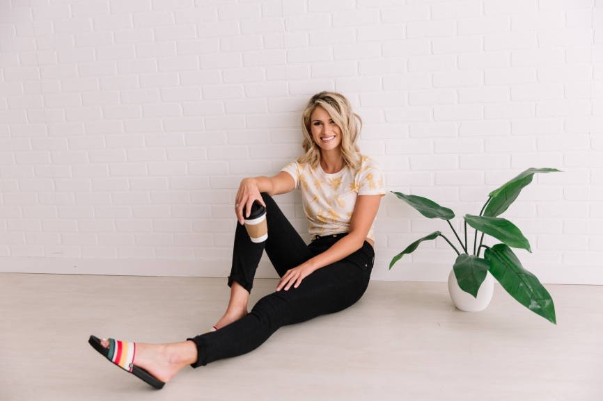 Getting to know Miss Nebraska USA, Lex Najarian - she meets with us in our studio wearing Buckle Black Jeans, Billabong Slides, and a palm tree and pineapple t-shirt from Billabong.