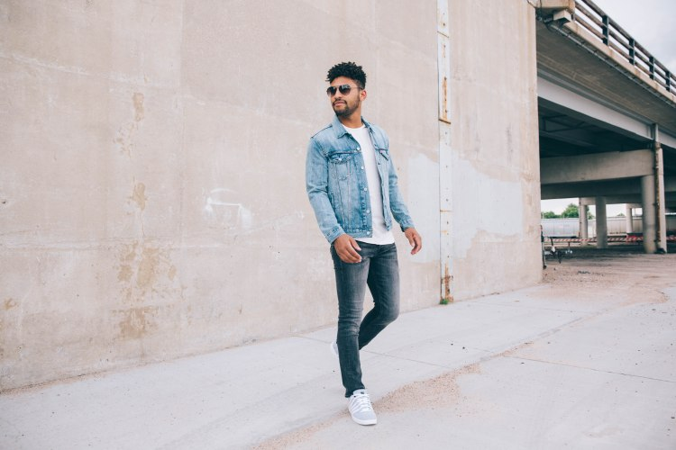 a clean, dark wash that pairs well with others (denim)